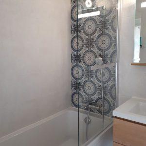 09-espace bain faux carreaux de ciment.jpg
